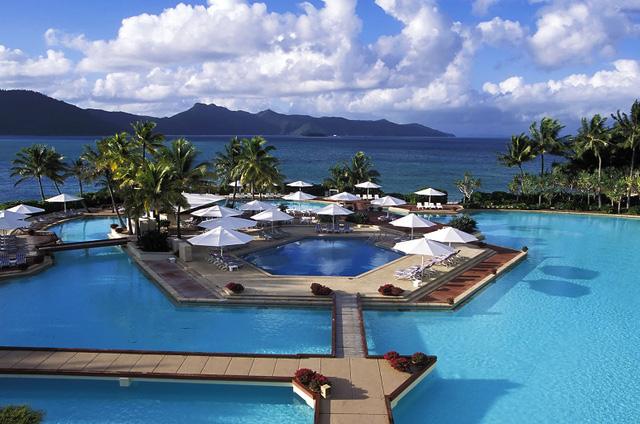 Nhà đầu tư lớn rót hàng tỷ USD mua bán các khách sạn